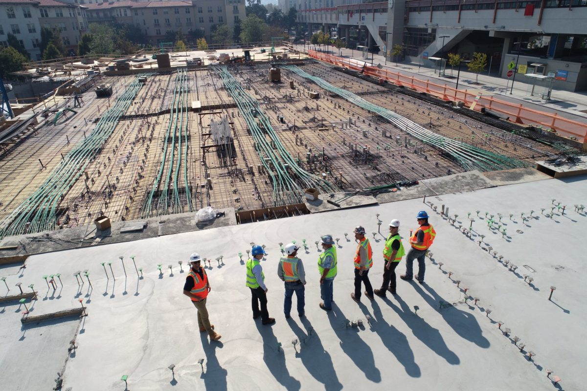 how to run a construction company