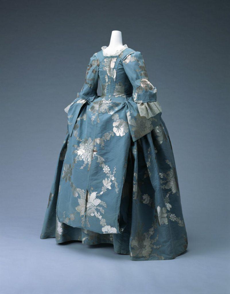 1700s women fashion
